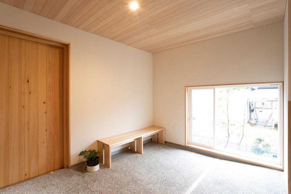 玄関の休憩スペース